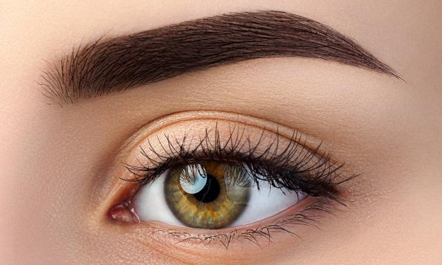 Permanente make-up bij Chloé