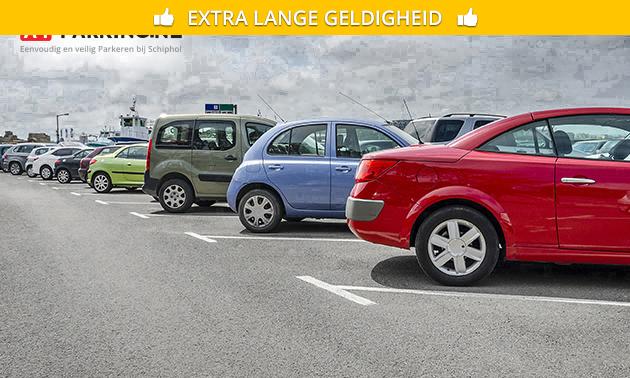 Parkeren bij Schiphol (sleutel meenemen) + gratis shuttle