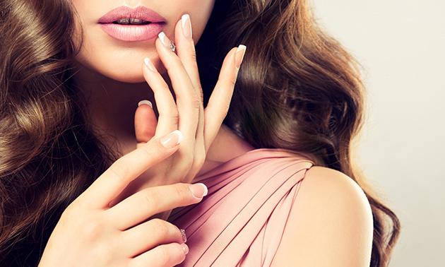 Nieuwe set gelnagels + manicurebehandeling