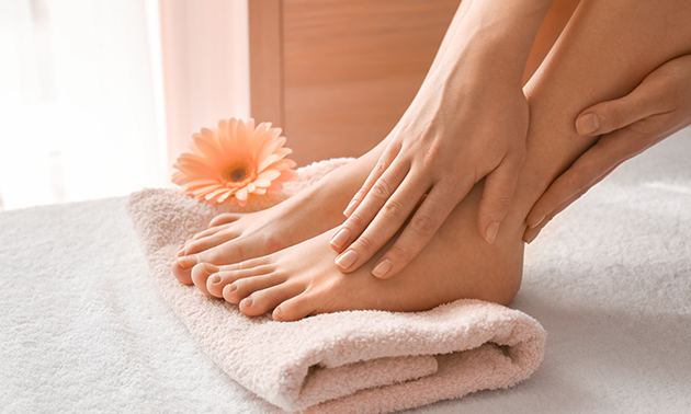 Spa-pedicurebehandeling (45 min) + evt. gellak
