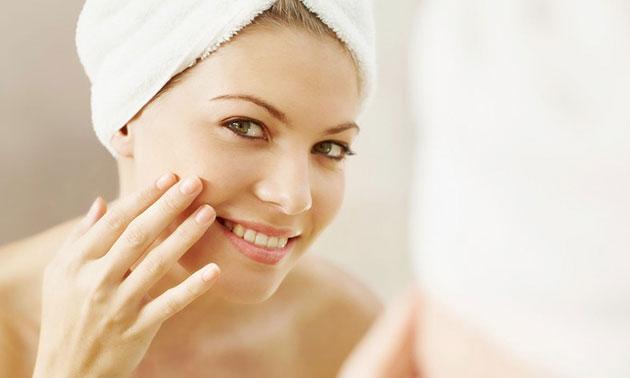 BB Glow-gezichtsbehandelingen + evt. carbon peeling