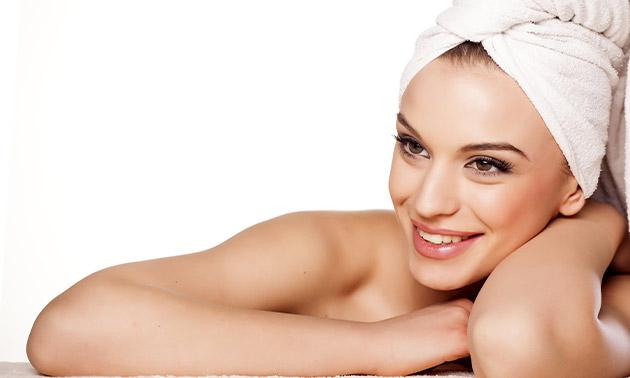 Carbon laserpeeling-gezichtsbehandeling