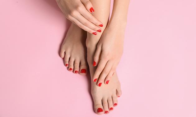 Manicure- of pedicurebehandeling (45 of 60 min)
