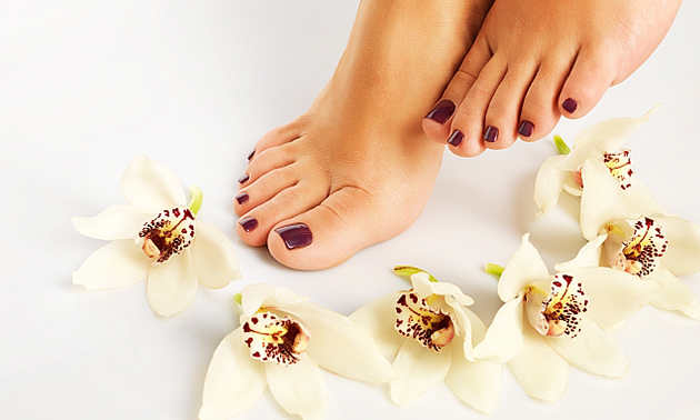 Pedicurebehandeling + voetreflexmassage (60 min)