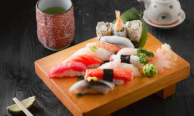 Afhalen voor 2: sushiboot (47 stuks)