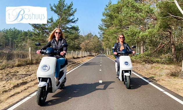 Tocht op een e-scooter (4 uur) + routekaart
