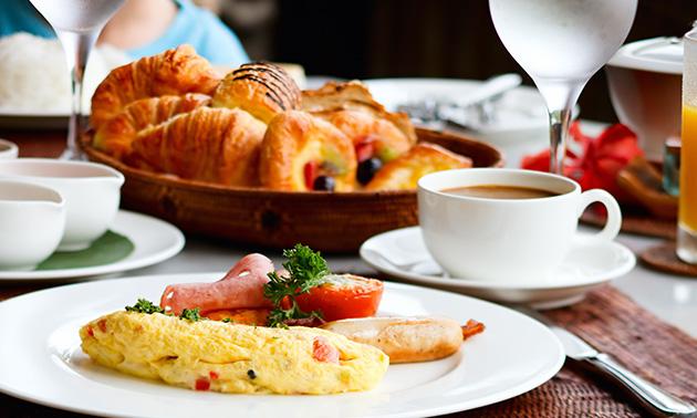 Ontbijtbuffet + glas cava in hartje Turnhout