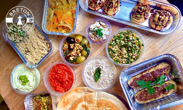 Thuisbezorgd of afhalen: shared dining (10 gerechten)