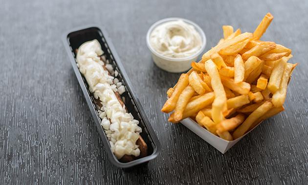 Afhalen: friet + saus + snacks voor 2 of 4 personen