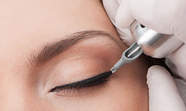 Permanente make-up voor ogen of wenkbrauwen