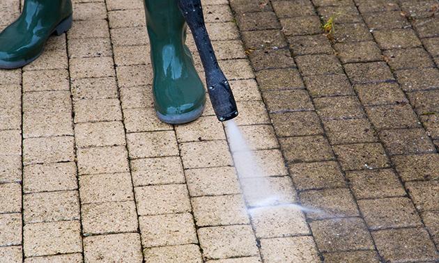 Nettoyage professionnel du pavage