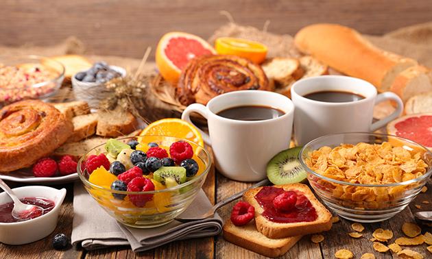Luxe ontbijt + glaasje cava