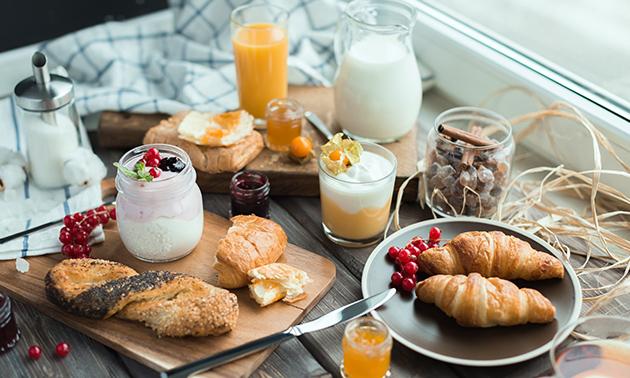 Afhalen of thuisbezorgd: luxe ontbijtmand bij De Zevende Hemel