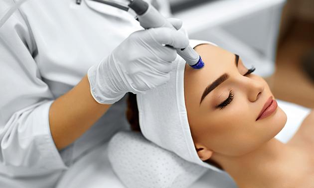 Soin du visage microdermabrasion