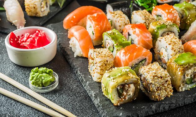 Afhalen: sushischotel (60 stuks) bij Eat & Co