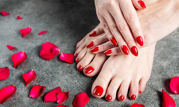 Manicure- en/of pedicurebehandeling