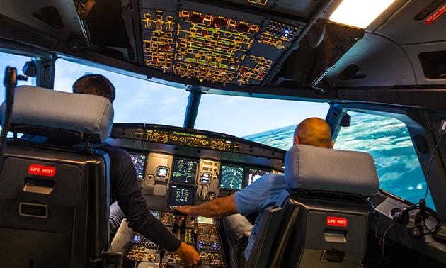Vliegen in een vluchtsimulator