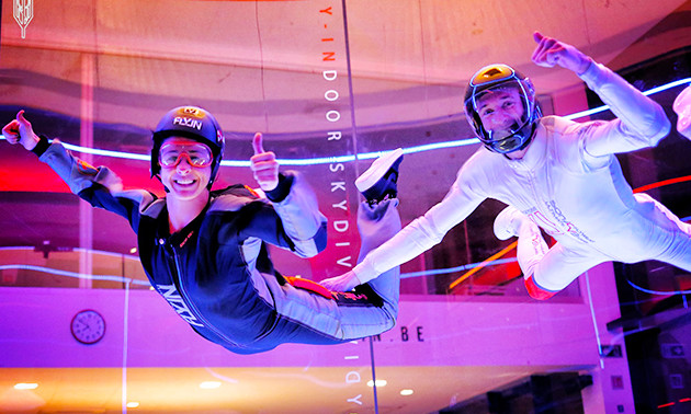 2 sessies indoor skydiving + hapjes en drankje
