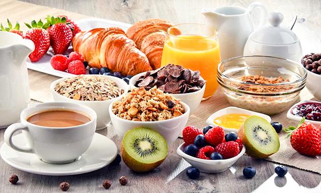 Ontbijtbuffet à volonté + evt. cava in hartje Leuven