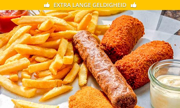 Afhalen: gezinszak friet + 4 snacks naar keuze