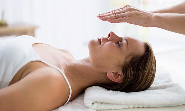 Reikibehandeling (30 of 60 min) of paragnostische reading