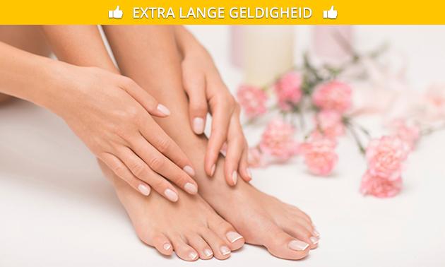 Manicure- of pedicurebehandeling + gellak + massage