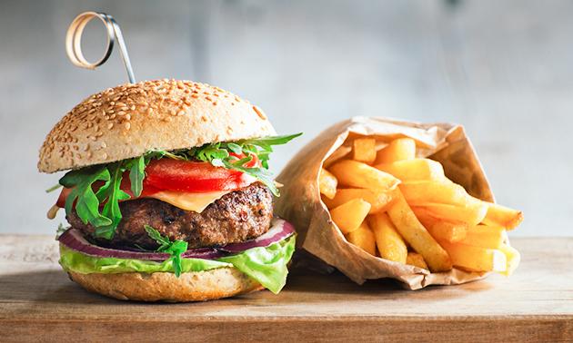 Burger + frietjes