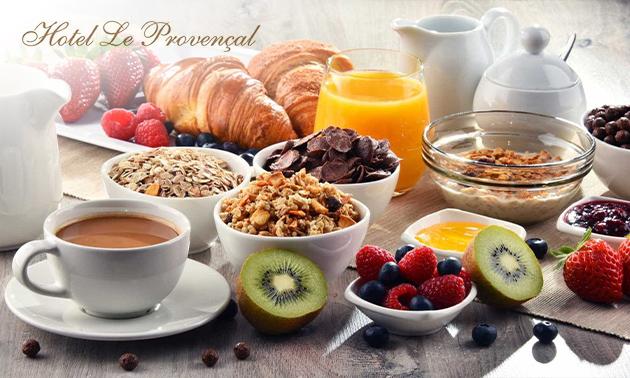 Ontbijtbuffet bij Le Provencal