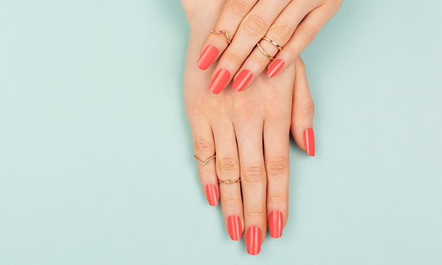 Mini-manicurebehandeling + gellak + nail art
