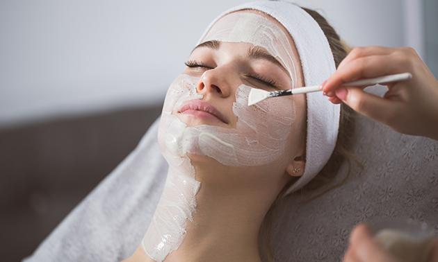 Luxe gezichtsbehandeling + massage (80 min)