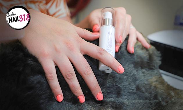 (Mini-)manicurebehandeling + gellak (35, 60 of 75 min)