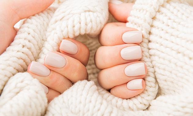 Manicurebehandeling + gellak (75 min)