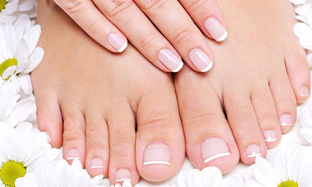 Gellak voor teennagels óf manicurebehandeling (45 min)
