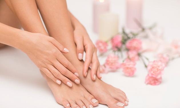 Manicure- en pedicurebehandeling (circa 1,5 uur)