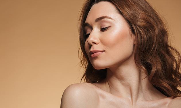 Facelifting-gezichtsbehandeling(en)