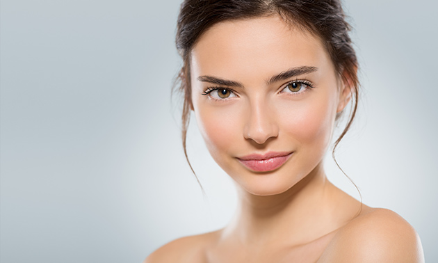 Niet-chirurgische facelift bij Perfect You Skin Clinics