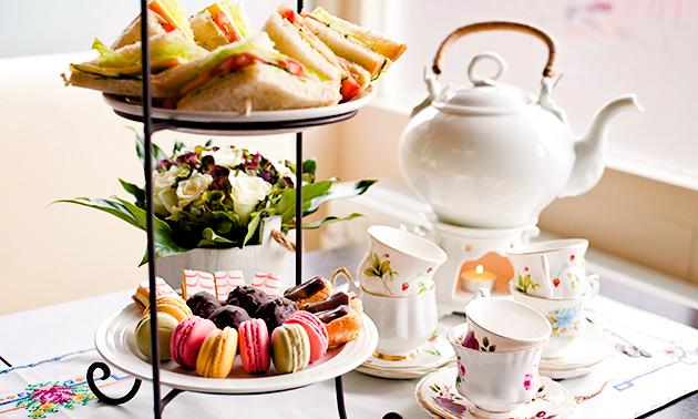 Afhalen: Moederdag-high tea + cadeauvoucher Shoeby