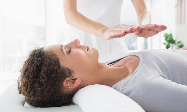 Gelaatsmassage incl. reiki-sessie (75 minuten)