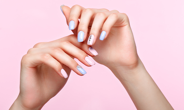 Manicurebehandeling (30 of 50 min) of gellak