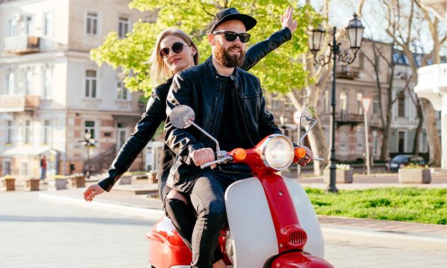 Dagtocht op een elektrische scooter