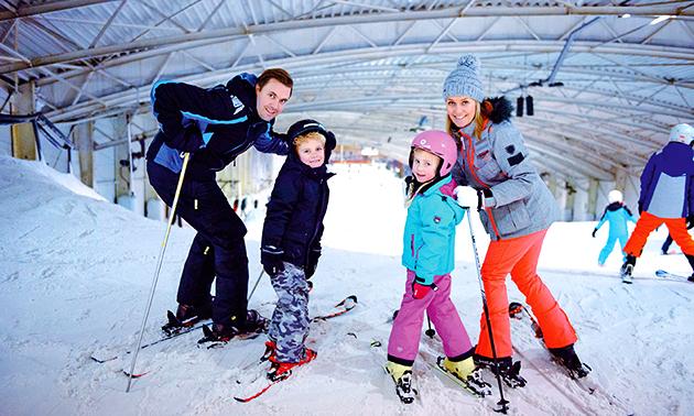 2 of 4 uur lang skiën of snowboarden + materiaal