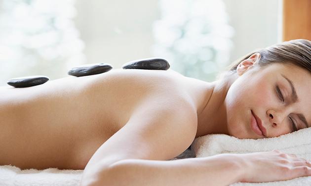 Hotstonemassage (30 of 60 minuten)