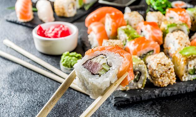 Afhalen: Japans hoofdgerecht + fris óf sushibox (32 stuks)