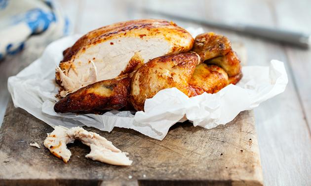 Afhalen: hele kip van het spit + brood