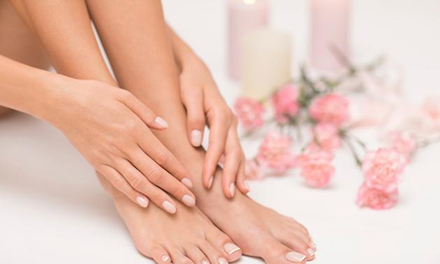 Cosmetische voetverzorging + gellak (60 min)