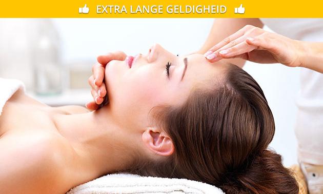 Gezichtsbehandeling + ledtherapie (60 min)