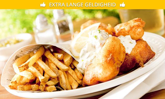Grote visschotel naar keuze + frisdrank + saus + friet