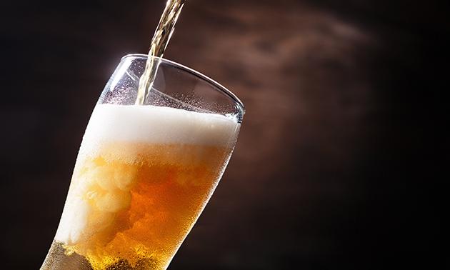 Thuisbezorgd in heel NL of afhalen: bierpakket + kaas + pinda's