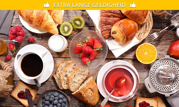 Ontbijtbuffet + evt. glas cava bij Whatz Hap